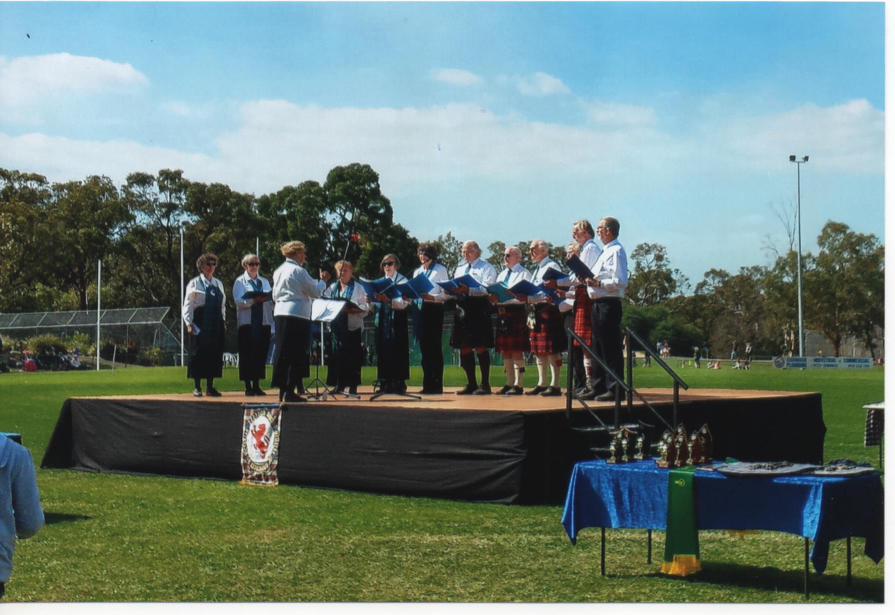 Choir singing at Ringwood 03-04-2016.jpg