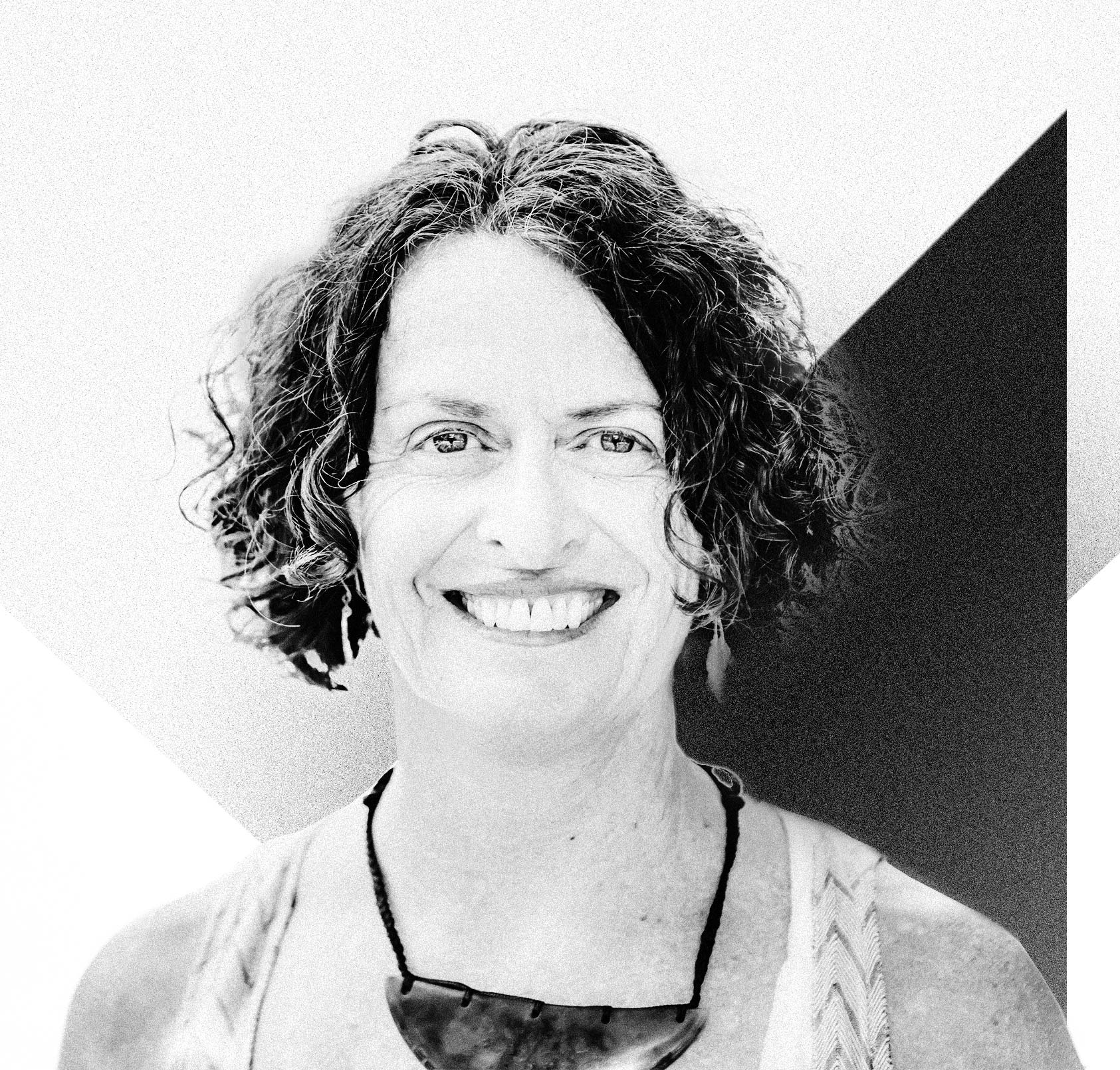 Louise Marra - Louise is Programme Director of The NZ Leadership Programme, a partner of Spirited Leadership and also the founder of Unity House.Her leadership experience has spanned a broad range of sectors having held senior roles within Government, the private sector, philanthropy and the NGO sector. Louise has her coaching and development practice which brings together facilitation, meditation, mindfulness, nature-based programmes, yoga, qi gong, transpersonal psychology and shadow work.