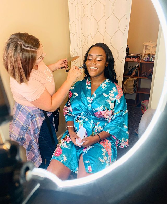 A little peek into what we get to do on a daily! We love meeting all our beautiful clients and being a part of their special day!  Be sure to book before slots fill up! Link in bio, duh 💁🏼‍♀️