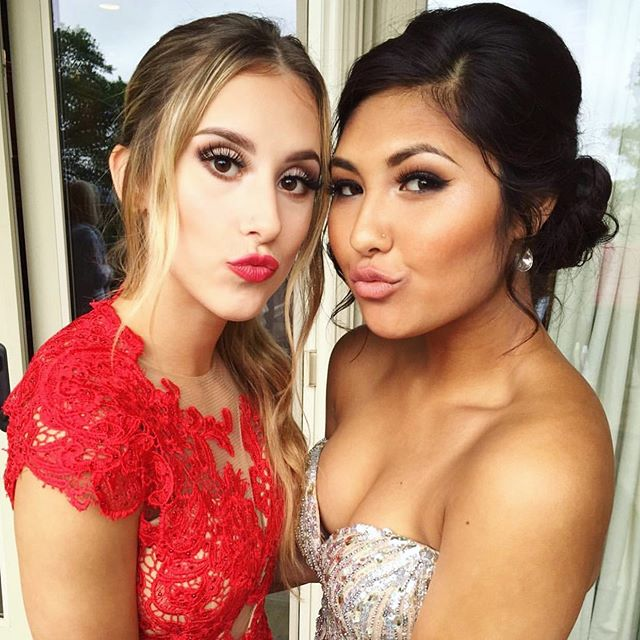 So who has more fun.... blondes or brunettes?! According to these two, it's double trouble 😻 • • #homecoming #homecomingmakeup #homecomingglam #glam