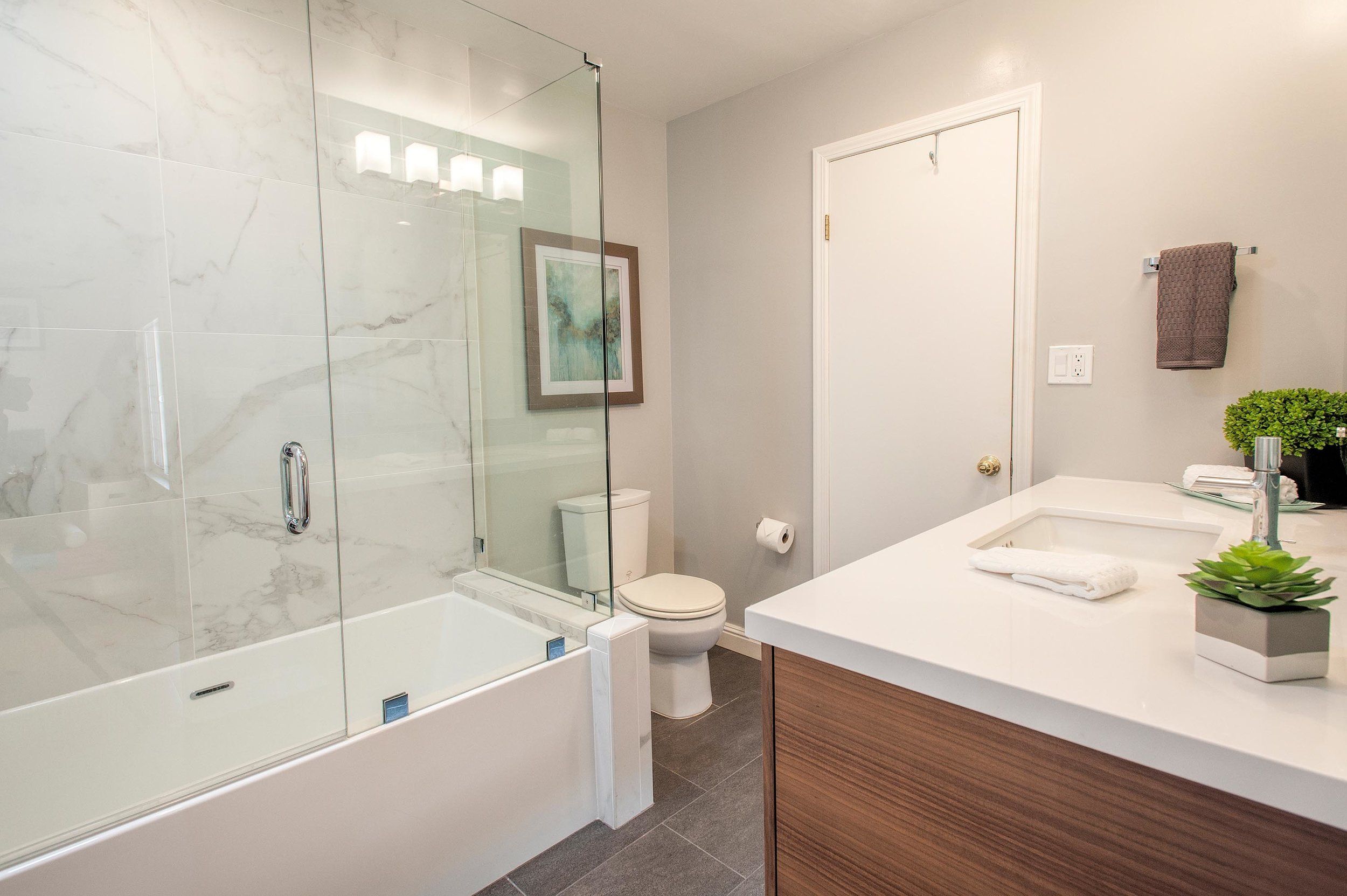 Elegant bathroom with therapeutic tub and a faucet