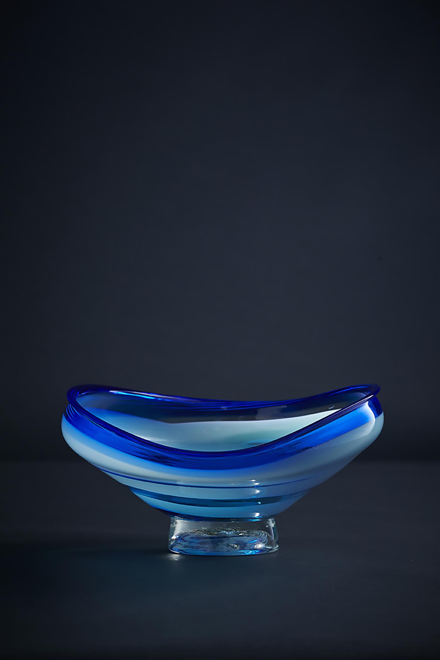 _emu_glass_9540.jpg