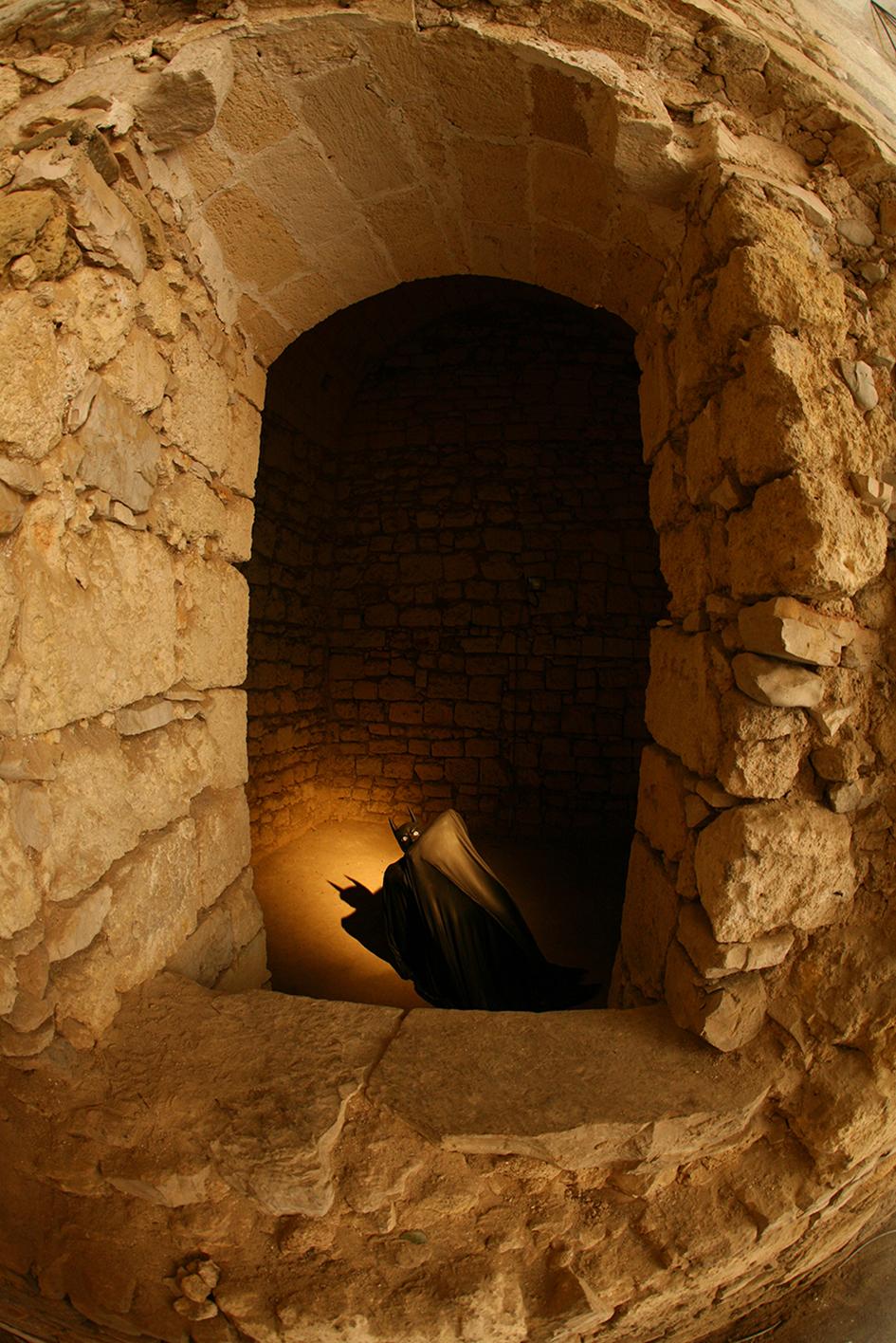 I'LL NEVER GET TO YOU , 2009 . Castello Svevo di Barletta, Barletta. Installation view. Photo: Maurizio Abbate