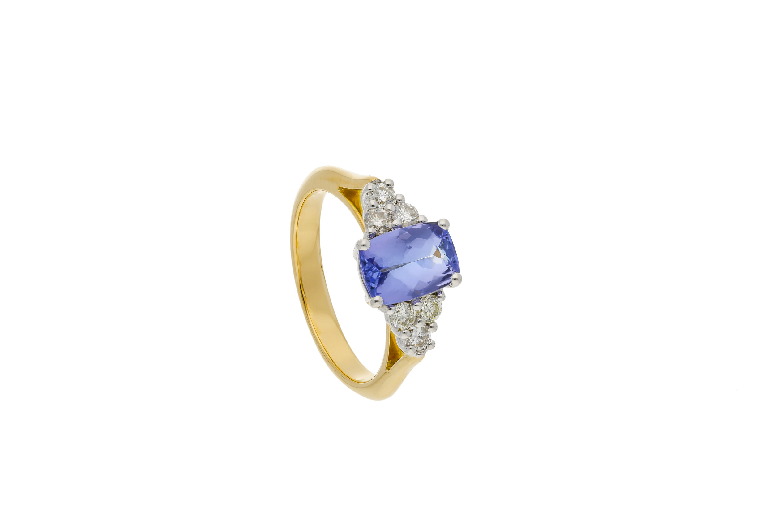 Tanzanite_engagement_ring_2_final_6.jpg