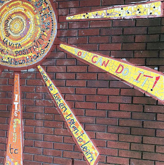 Love seeing @seagullspaint mosaic at Leeds Kirkgate Market - always makes me smile 😊