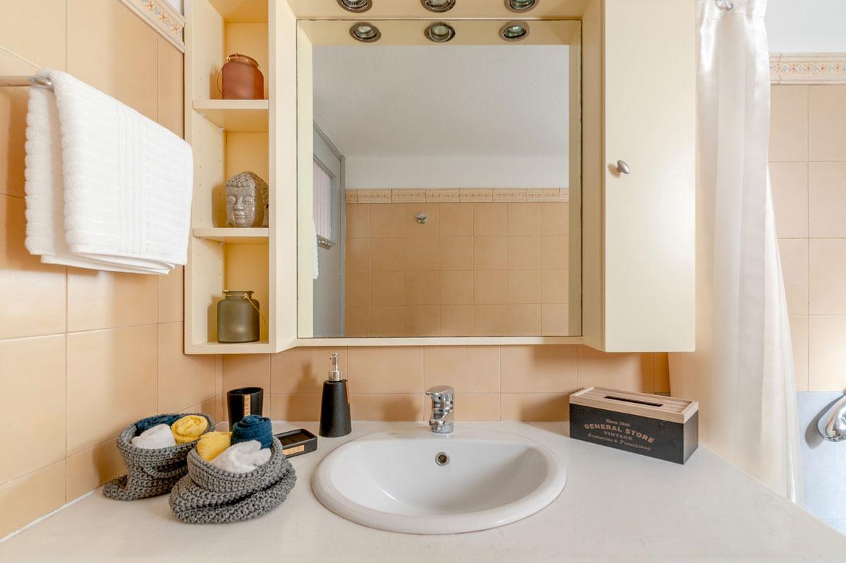 Heloni-Apartment-Hephaestus-1200x798-11.jpg