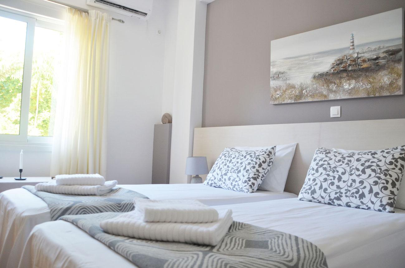 Heloni-Apartment-Hadrian-2.jpg