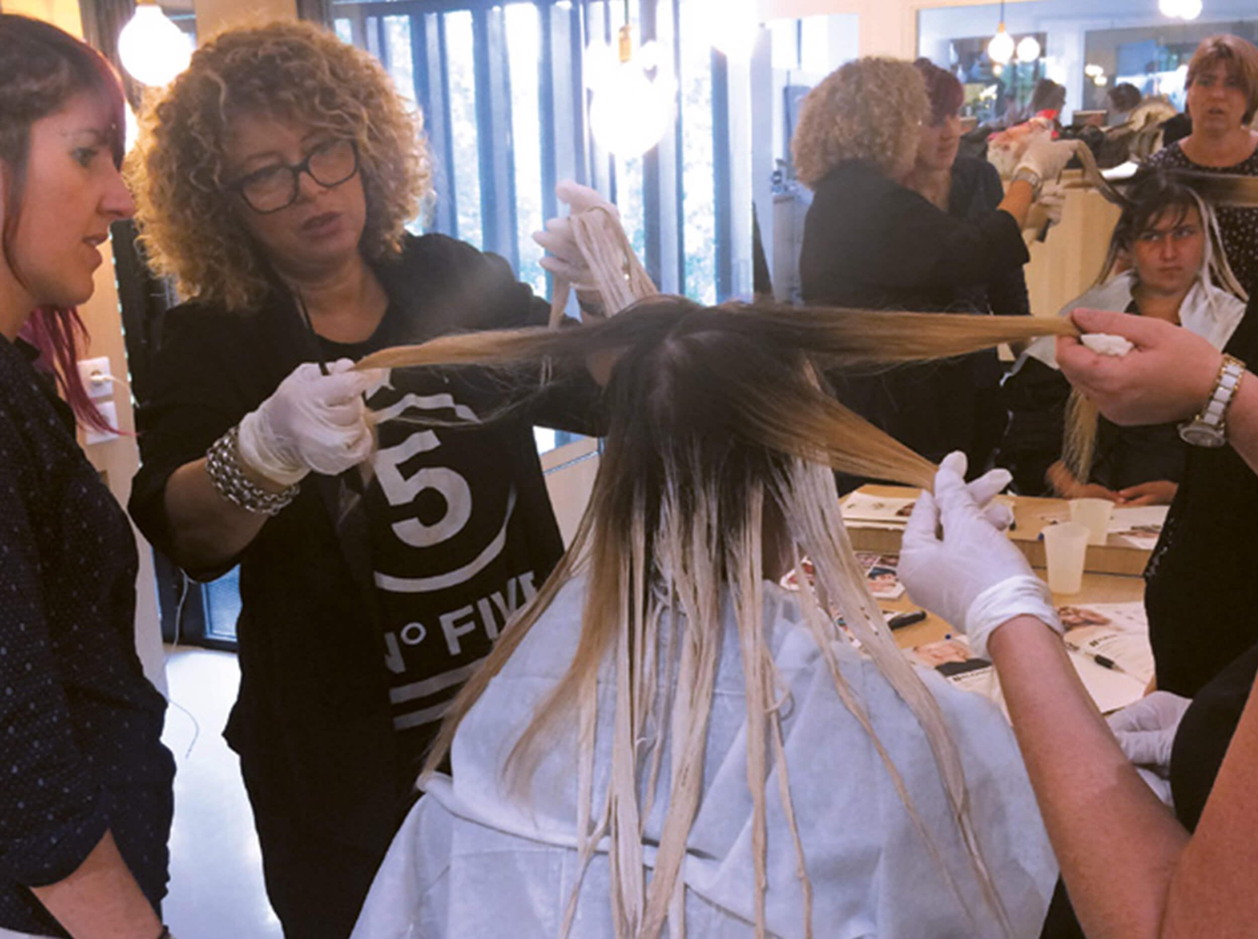 echos-coiffure-magazine-coaching-training-blond-fun.jpg