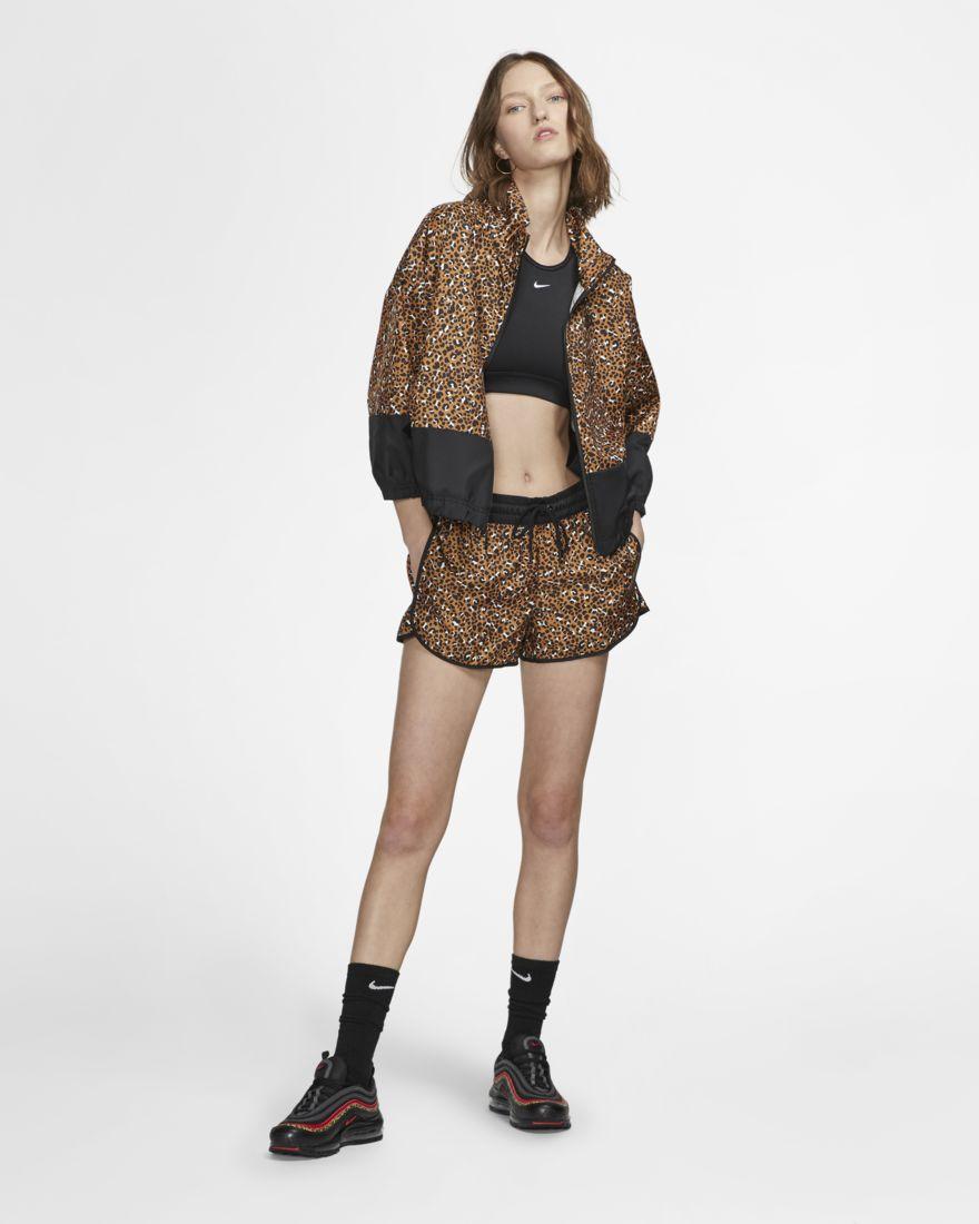 sportswear-womens-woven-jacket-1qLNWq-2.jpg