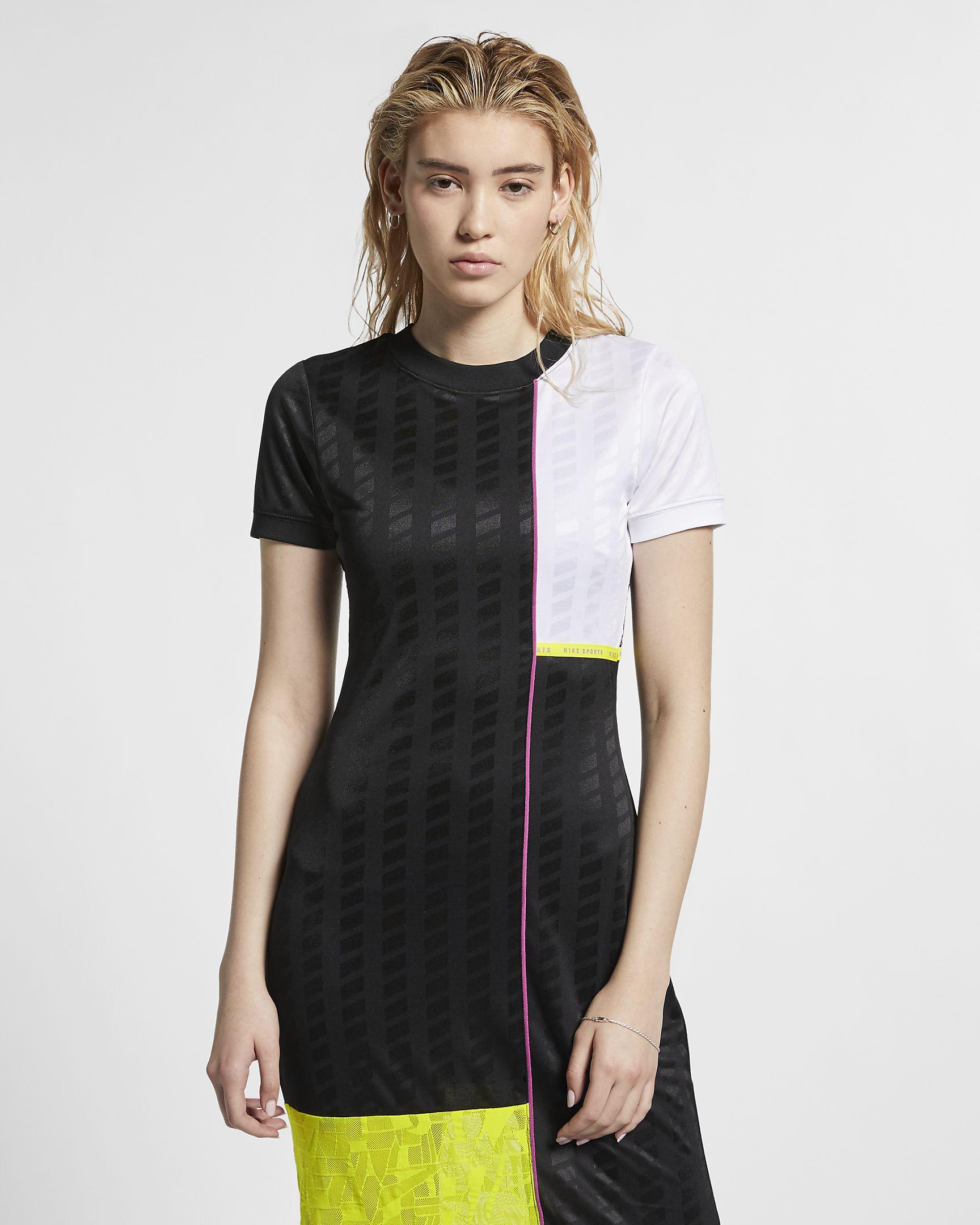sportswear-nsw-womens-short-sleeve-dress-cTs7Dm-3.jpg