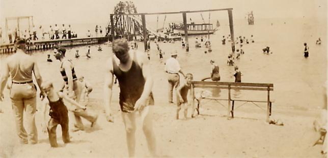 Beach+1920's.jpg