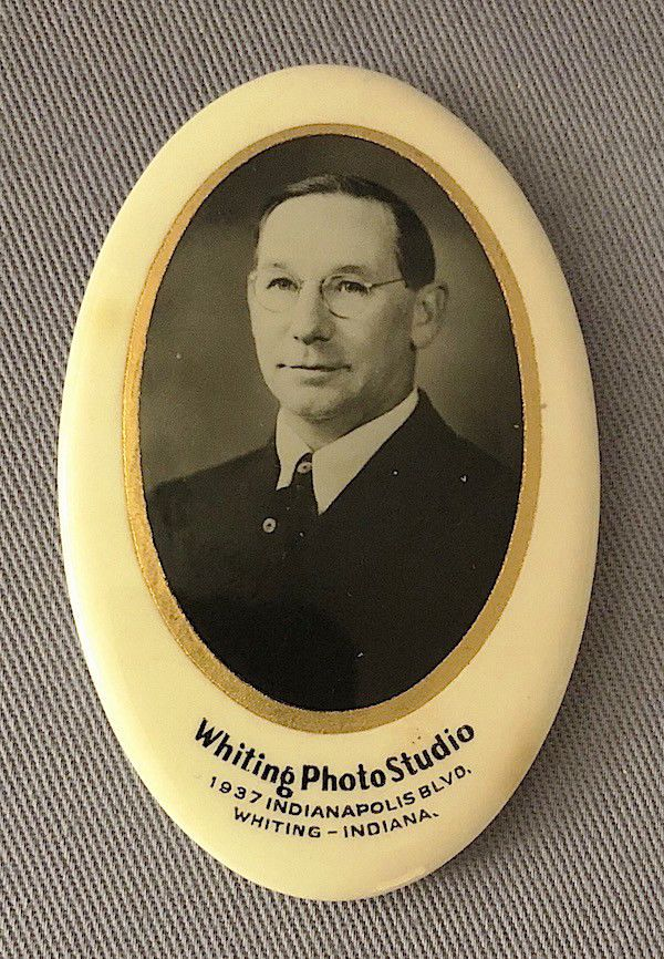 WHITING PHOTO STUDIO POCKET MIRROR