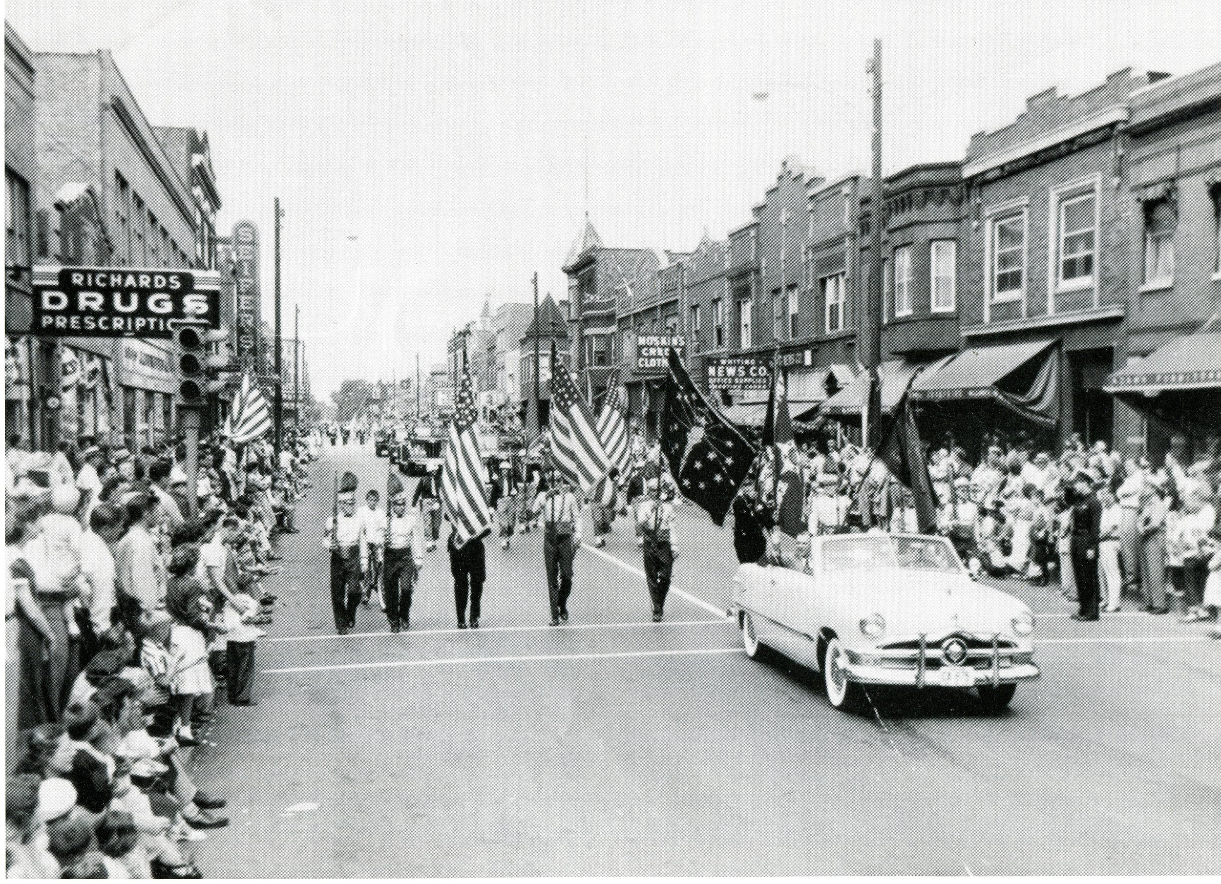 Trivia - jpg 4th of July 1950s.jpg