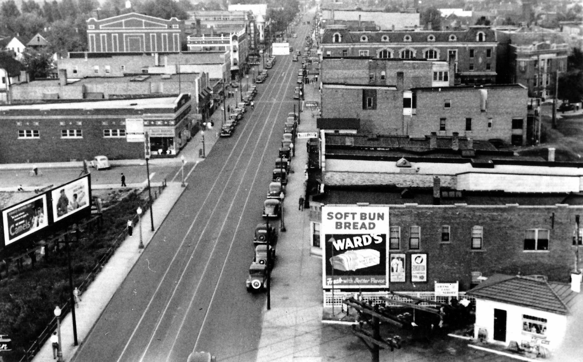 The Central State Bank Building offered birds eye views of Indianapolis Boulevard and 119th Street. This is how 119th Street looked from the top floor of the bank building, probably in the early 1930s.