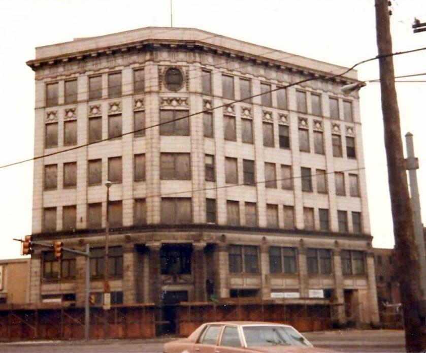 bank building - 1986 - 1.jpg