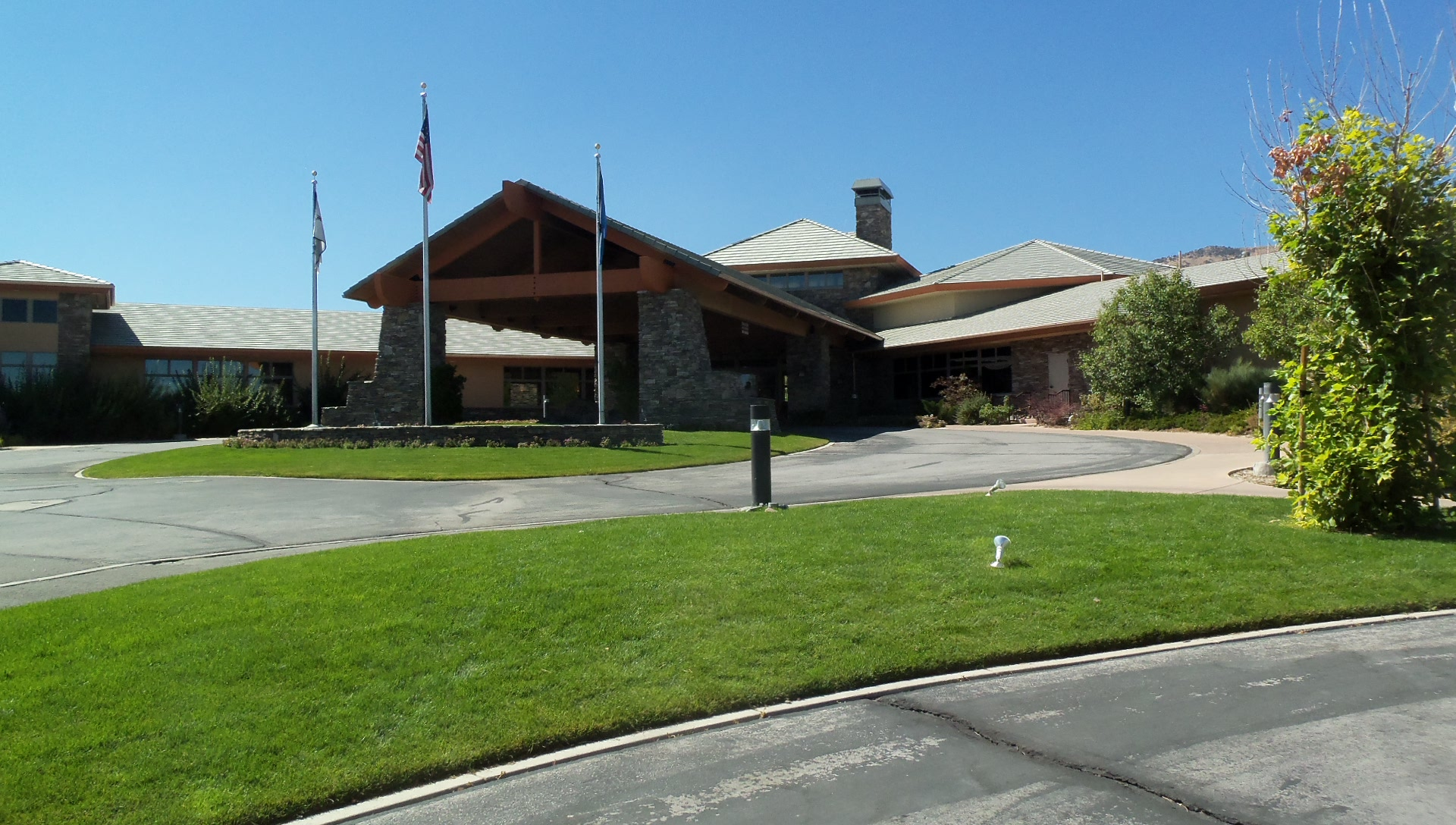 ArrowCreek Comm Center.JPG