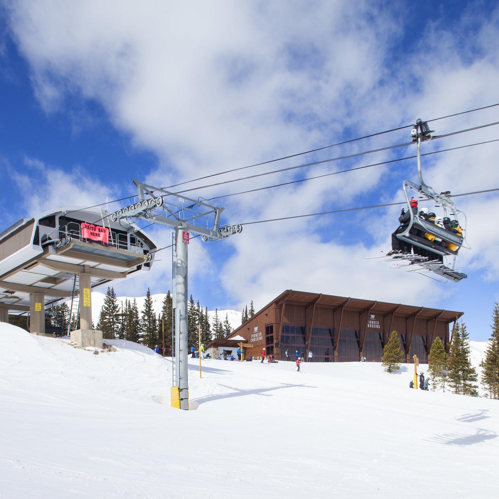 pioneer crossing lodge at breckenridge ski resort -