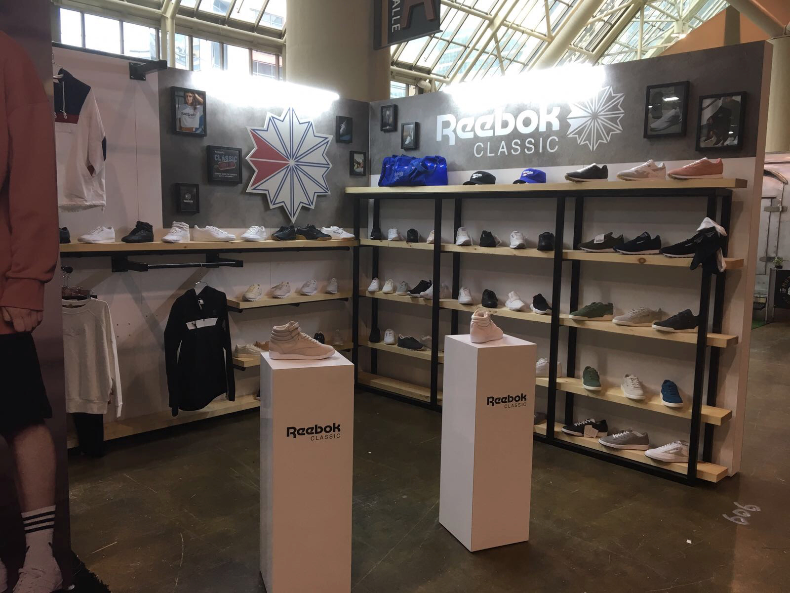 Park Creative Agency - KnowShow - Reebok Classics - Booth Design.jpg