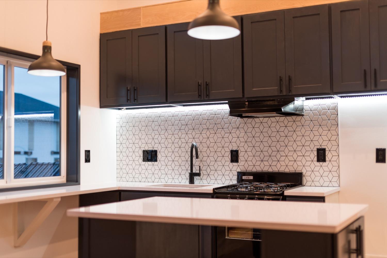 kitchen vacant.jpg