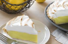 Aquafaba Lemon Meringue Pie -