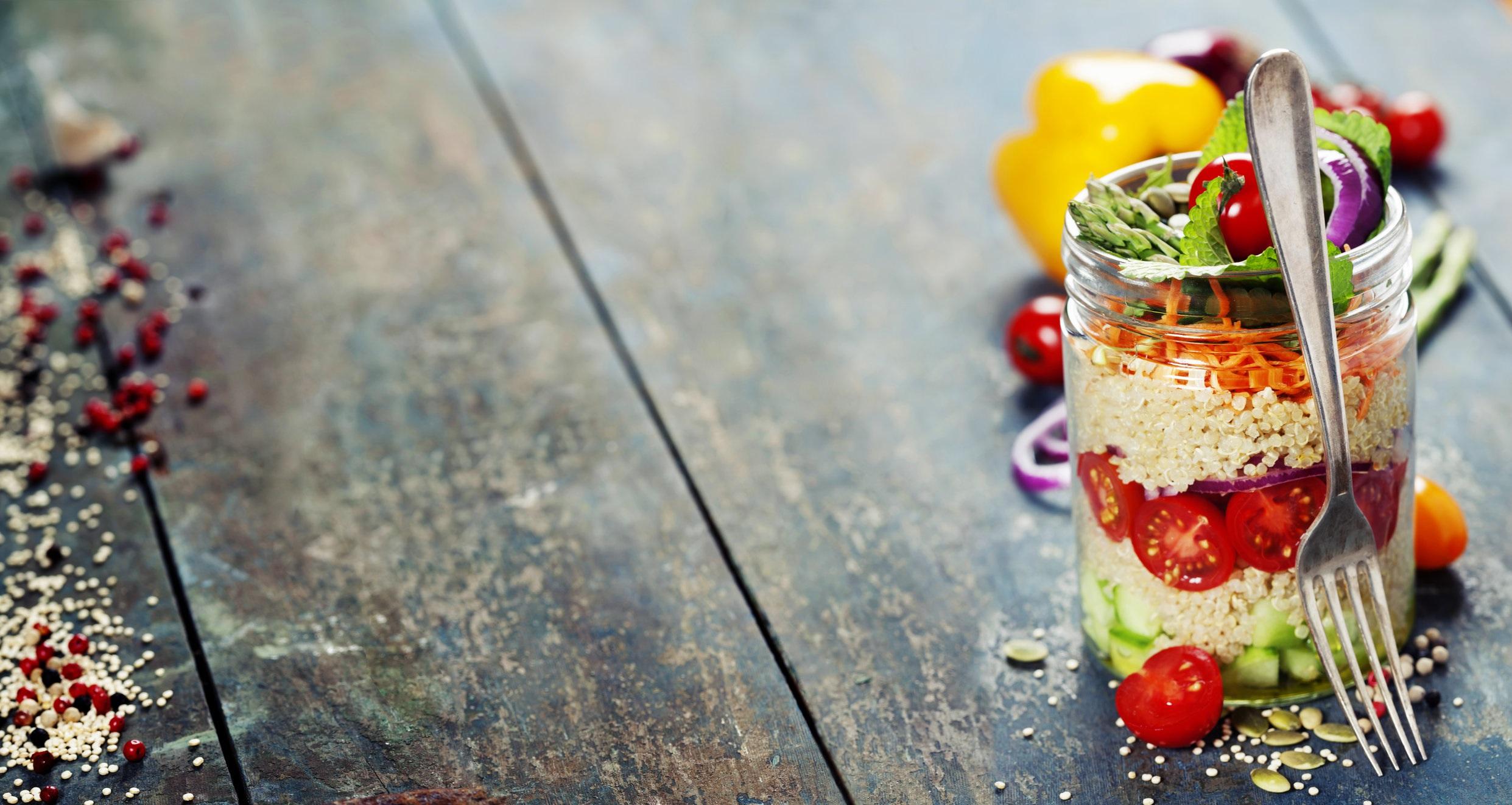 AdobeStock_salad in a jar.jpeg