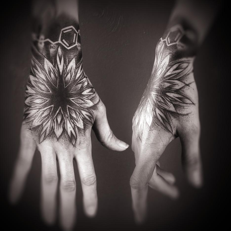hand_mandala (1).jpg