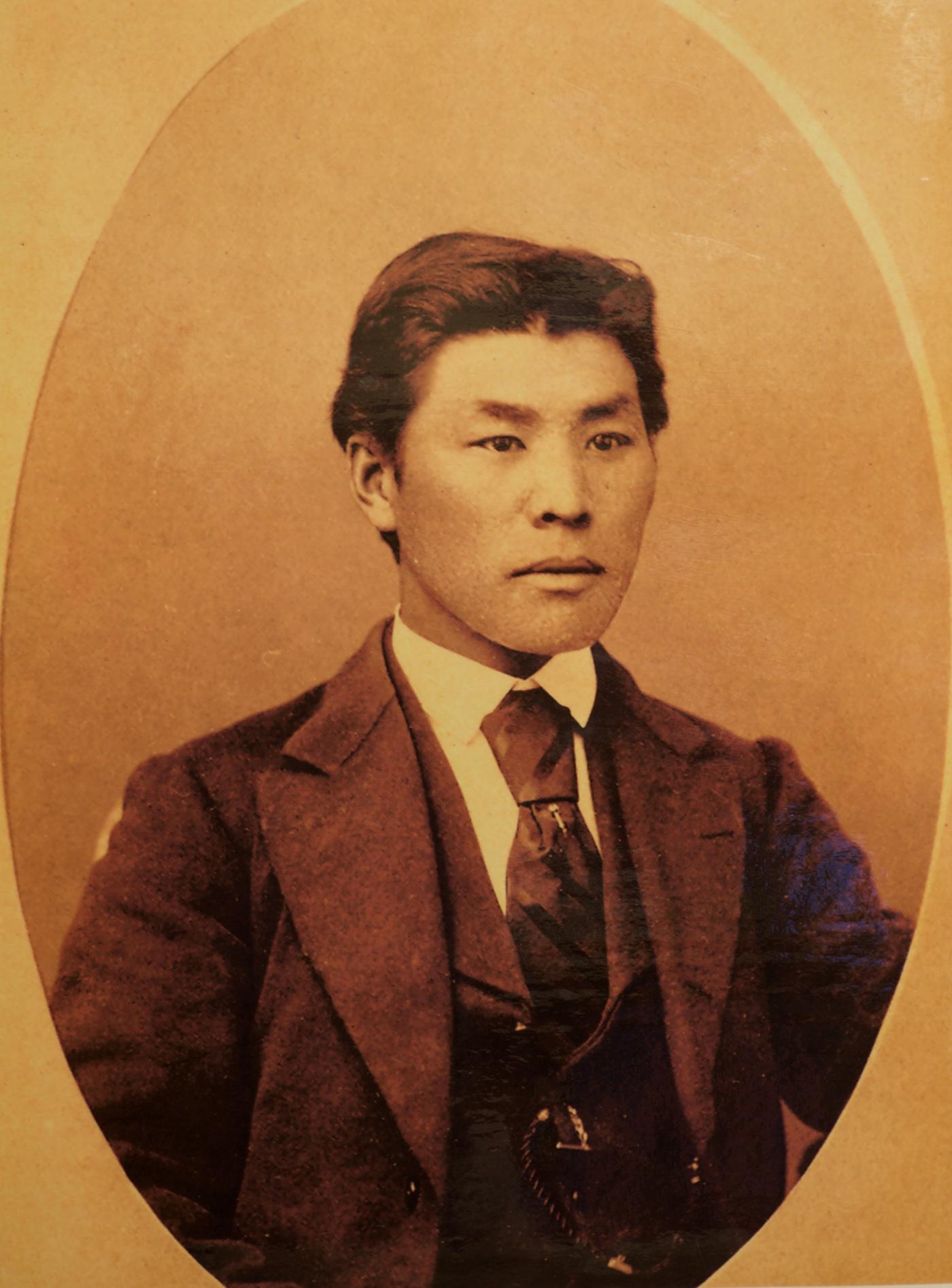 Kuninosuke Masumizu  One of the first known immigrants to the mainland U.S.