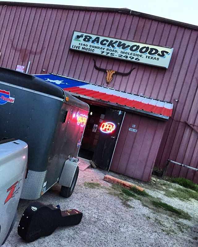 Hey Ingleside we're here. See y'all here at Backwoods Saloon. 9:30 downbeat #livemusic #texasmusicscene #foreverontheroad