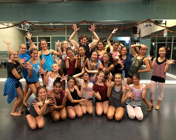- Give your students a backstage pass to Broadway's hottest shows through master classes with cast members from Broadway national tours and touring dance companies. Students learn choreography in the style of the selected show and participate in a Q&A with the cast member in these 2-hour workshops.