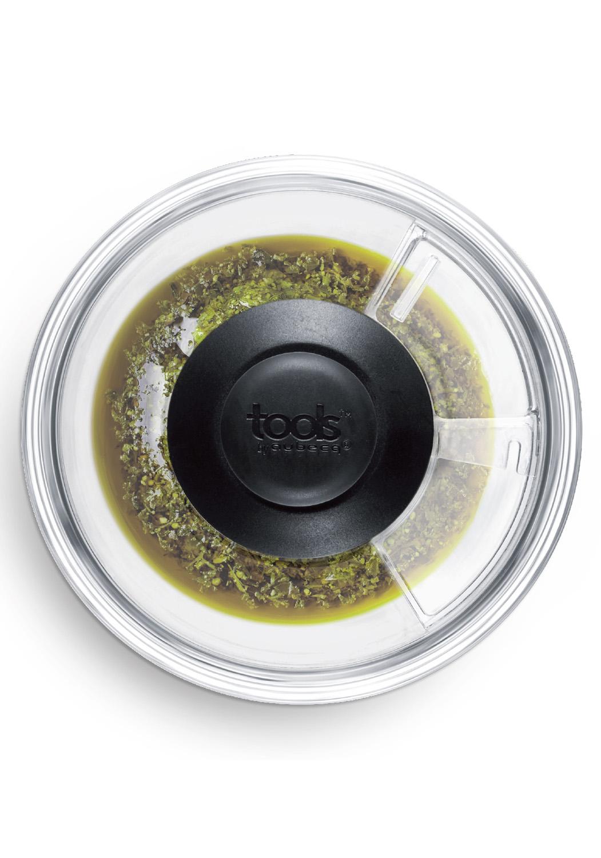Entretien facile - • Pilon orientable à 360° monté sur ressort• Fenêtre pour ajuster les ingrédients• Poignée confort soft touch• Nettoyage facile500234 MORTIER 360°