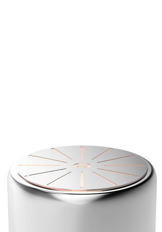 CORPS INOX + CNC CUTTING - Cette technique ultraprécise contrôlée digitalement par informatique vient découper l'aluminium du disque pour laisser apparaître le cuivre. Nous utilisons la technologie Computer Numerical controled Cutting™ (CNC) pour maximiser la puissance de conduction entre les diffférents matériaux du fond.• Maximiser la puissance de conduction du cuivre sur votre ustensile• Le faire dans un temps record• Parfaite répartition de la température• Réduire votre consommation d'énergie