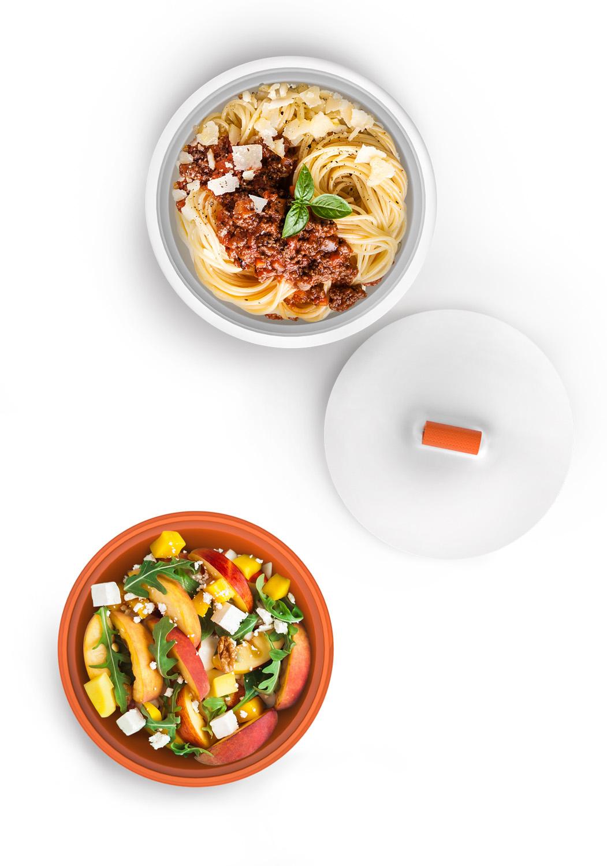 À la Verticale,tout reste en place - Son rangement vertical vous assure que la nourriture reste en place même pendant les transports.• Le couvercle à gros pas de vis permet une fermeture sans effort.