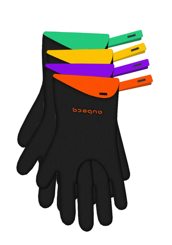 GANTS Néoprène - Indispensable en cuisine cette paire de gants assure une parfaite prise en main de vos plats chauds. Intérieur antiglisse pour sécuriser les gestes lors de la manipulation.• Résistant à la chaleur 250˚C / 482˚F• Coutures renforcées• Intérieur des mains antiglisse• Facile à nettoyerGANT NÉOPRÈNE500309 (S/M)500310 (L)
