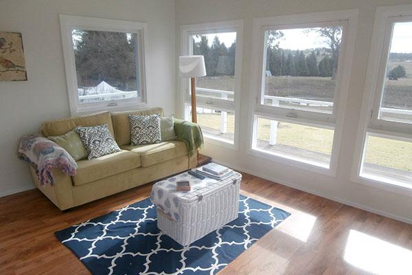 Copy of Copy of Balmoral B&B Accommodation — sunny lounge room