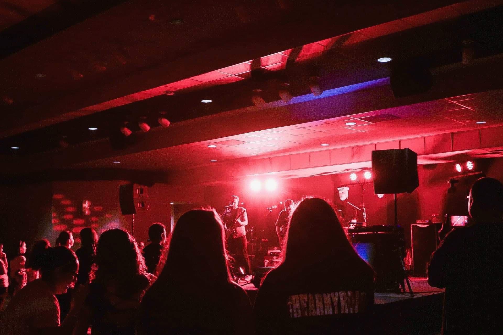 Concert_Red.jpg