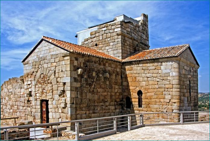 Santa María de Melque. Fotografía Jim Anzalone. En 1931 fue declarada Monumento Nacional.