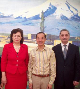 hranoush-hakobyan-george-yeo-ambassador-sargsyan.png