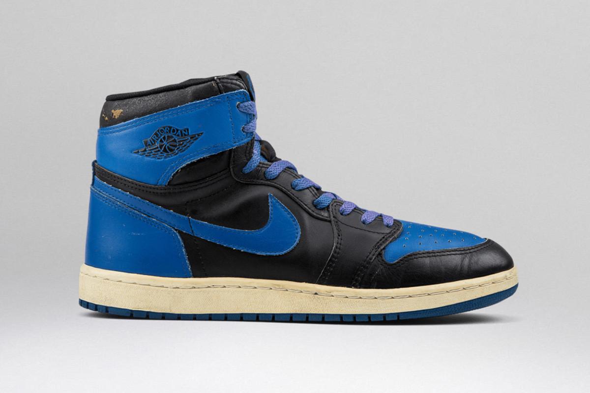 air-jordan-1-historia-blue-royal.jpg