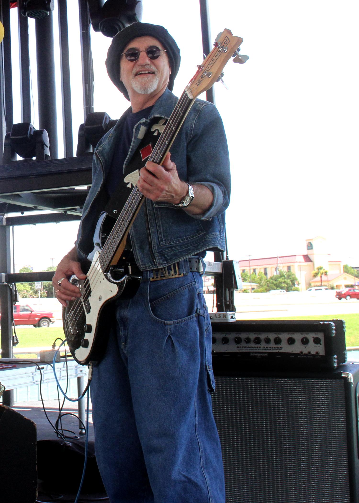 Snits Dog and Pony Show Pub Fountains Stafford, Texas 07032016 (9).jpg
