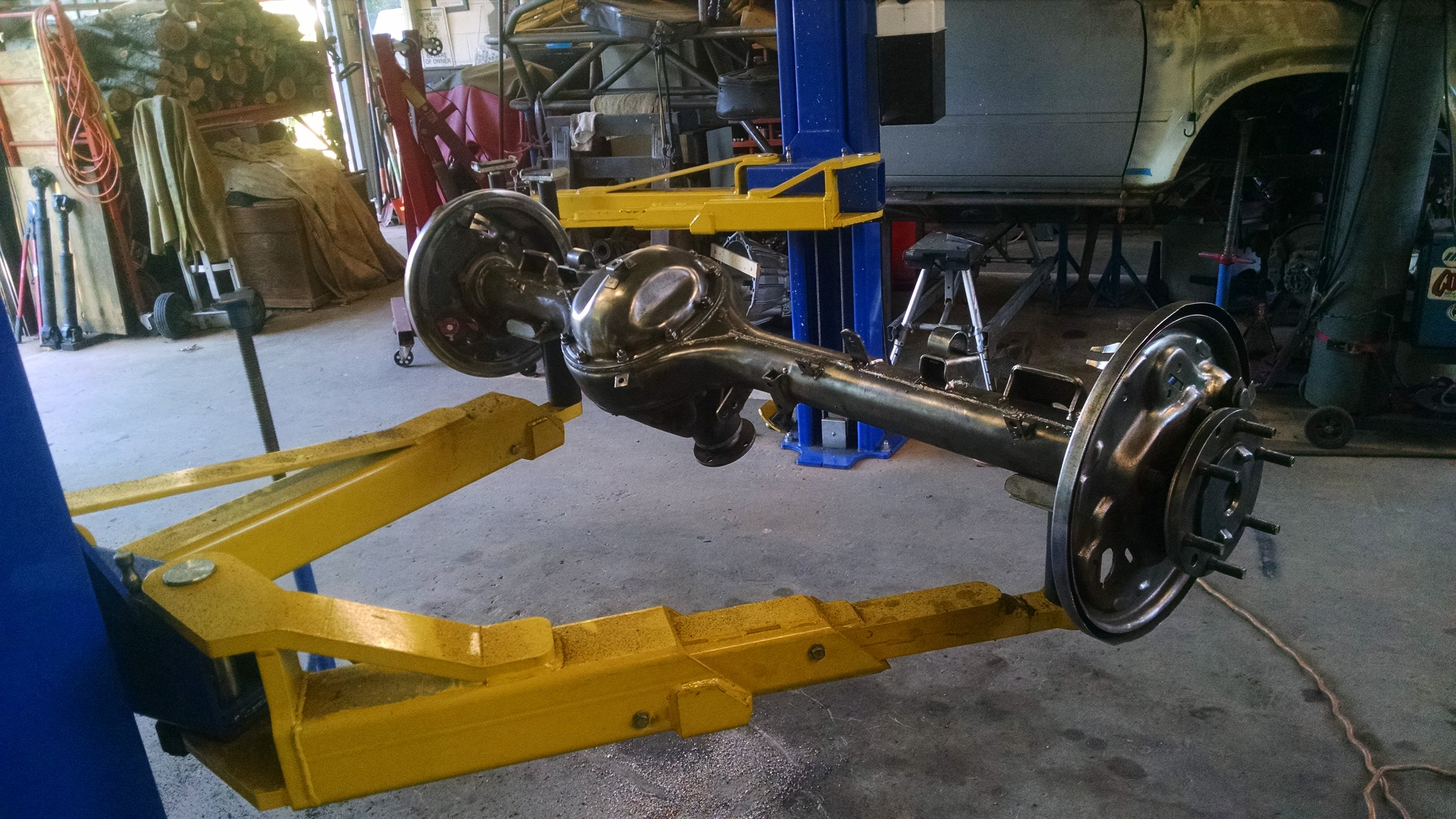 Desi Rear Axle Bare.jpg