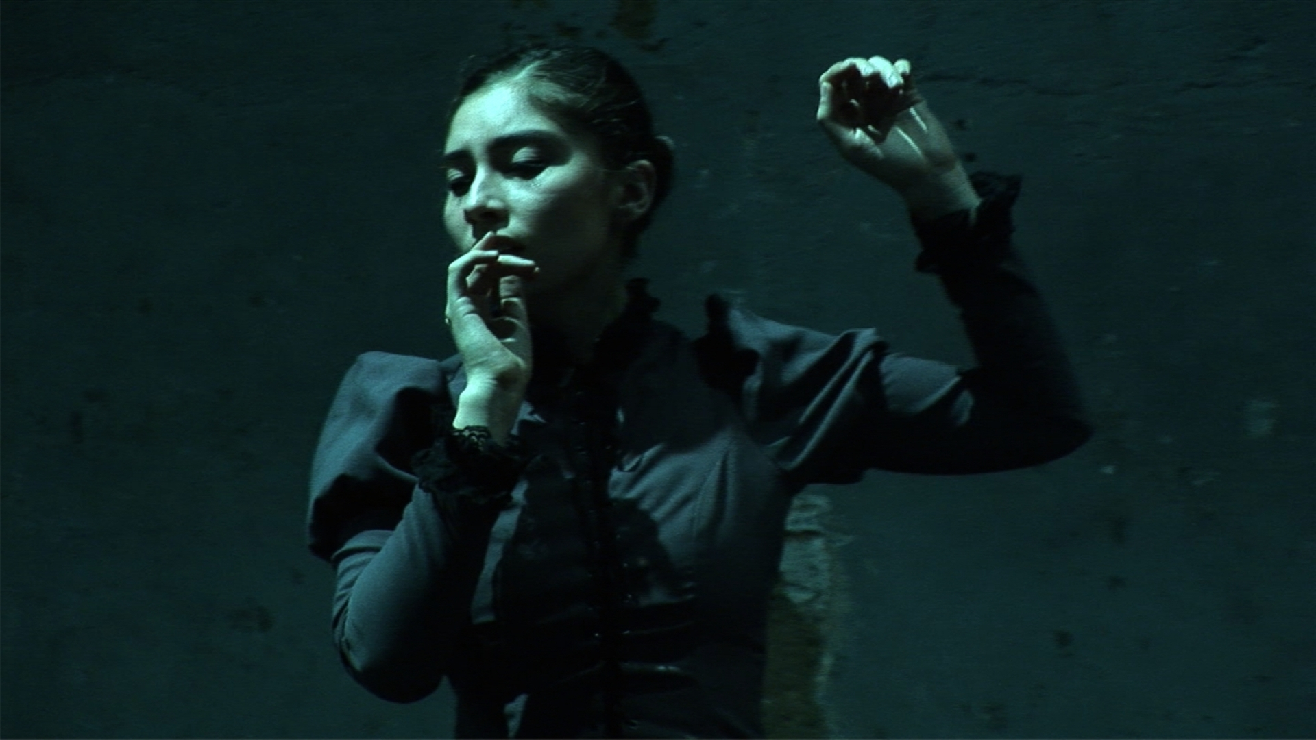 © Zikzira Physical Theatre, Eu vos Liberto, Macarena Campbell, Brazil, 2008, 2 Photo Andre Semenza .jpg