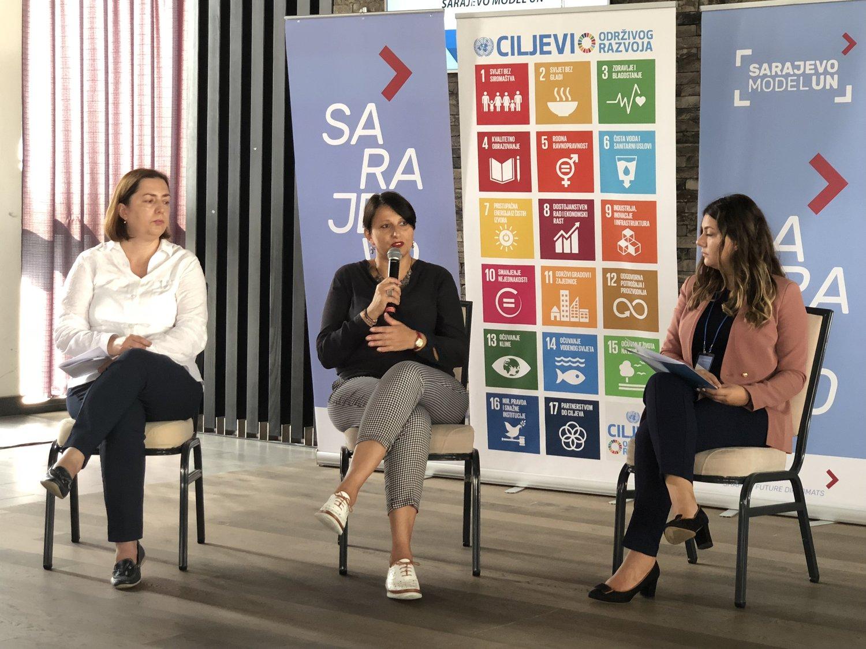 From left to right:  Ljiljana Kokotović, UNHCR  Irma Sadiković, IOM  Meliha Muherina, Vice-President, Bosnia and Herzegovina Association for United Nations