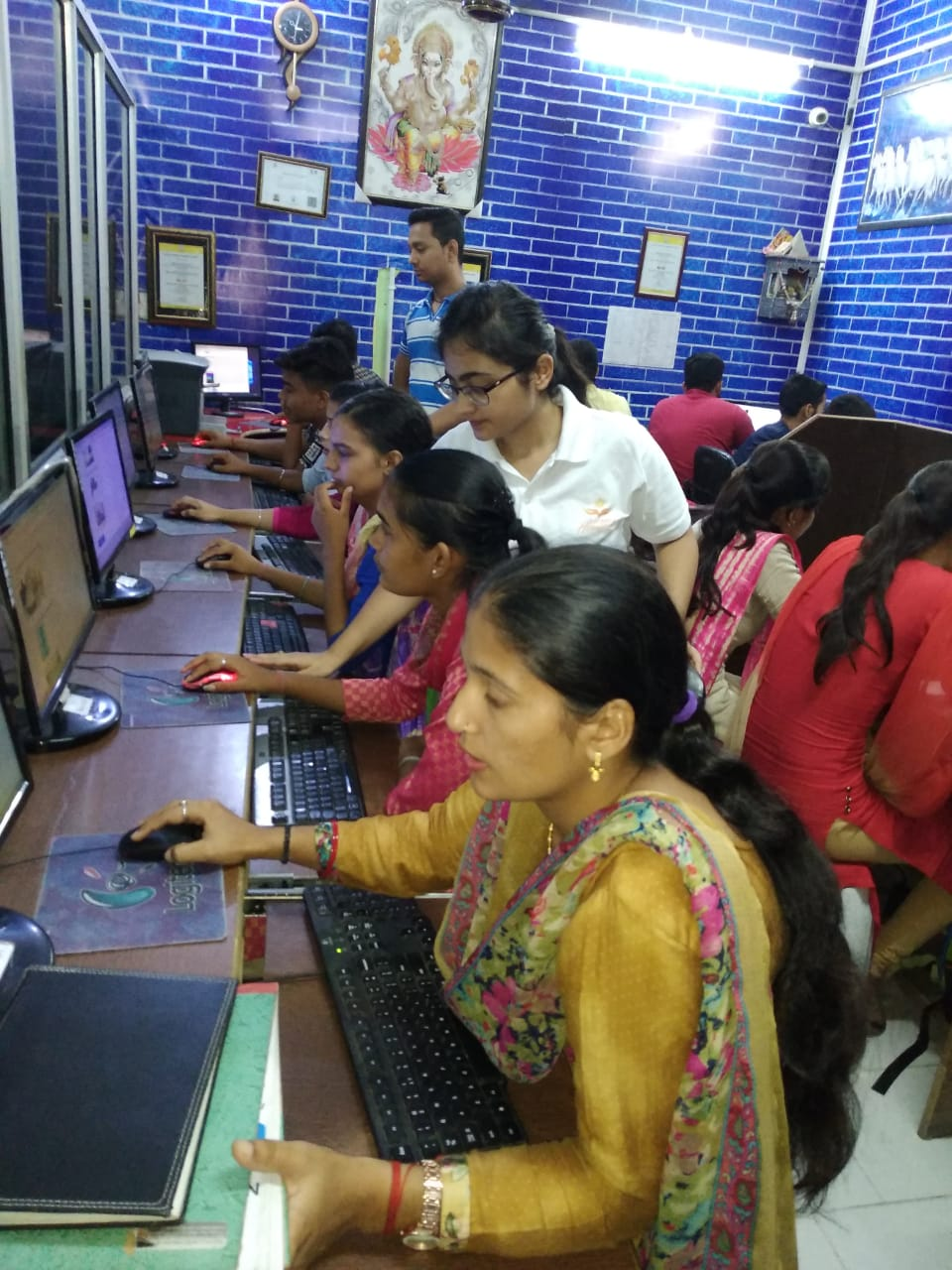Hartron computer centre, kharkhoda.jpeg