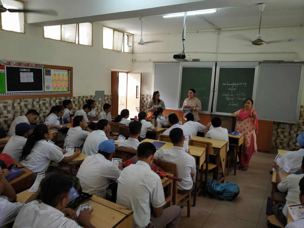 APEEJAY school Jalandhar.jpeg