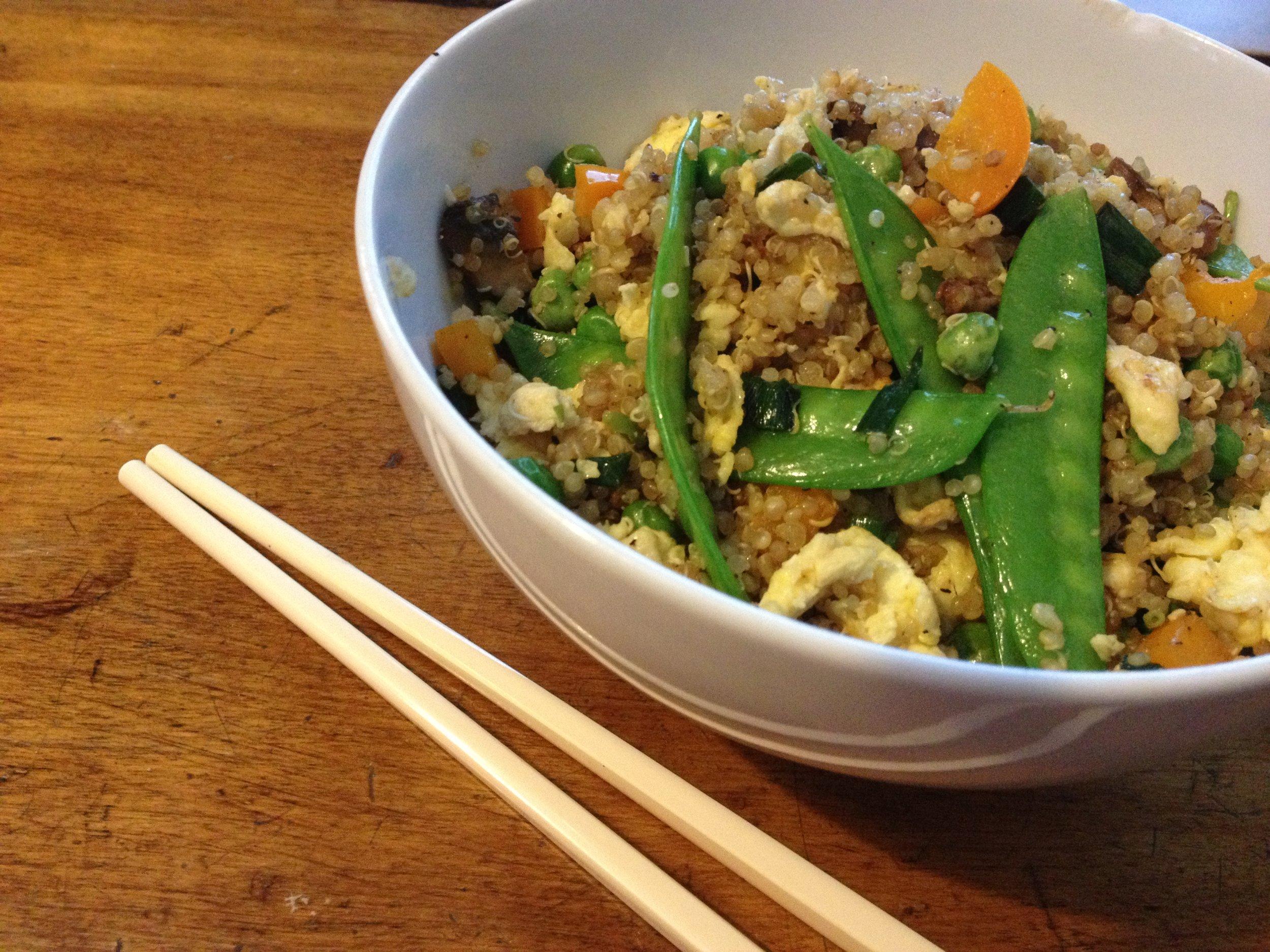 "Edamame Quinoa ""Fried Rice"" - Vegetarian protein-packed takeout fakeoutGRAB THE PRINTABLE!"