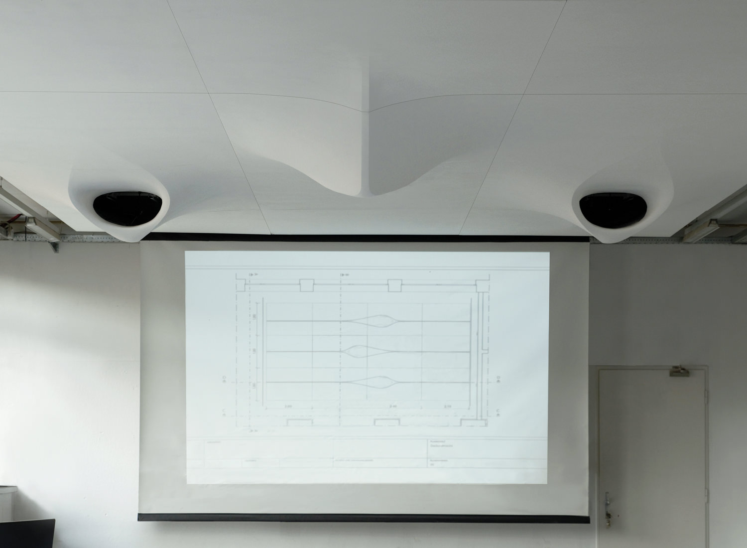 projector-ceiling-moh-architects-joerg-hugo-university-of-applied-arts-vienna3.jpg