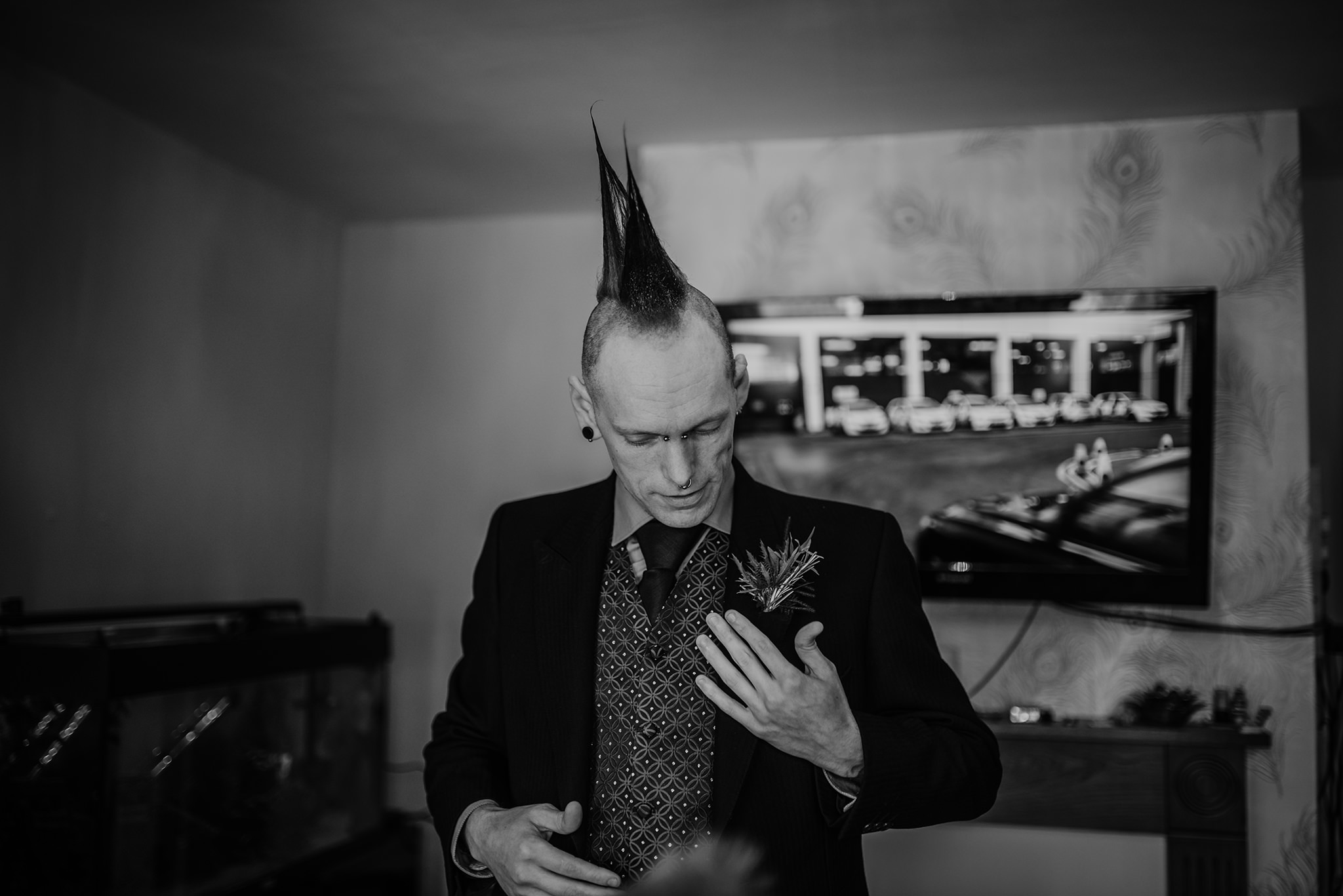 punk-groom-getting-ready-wedding-belfast
