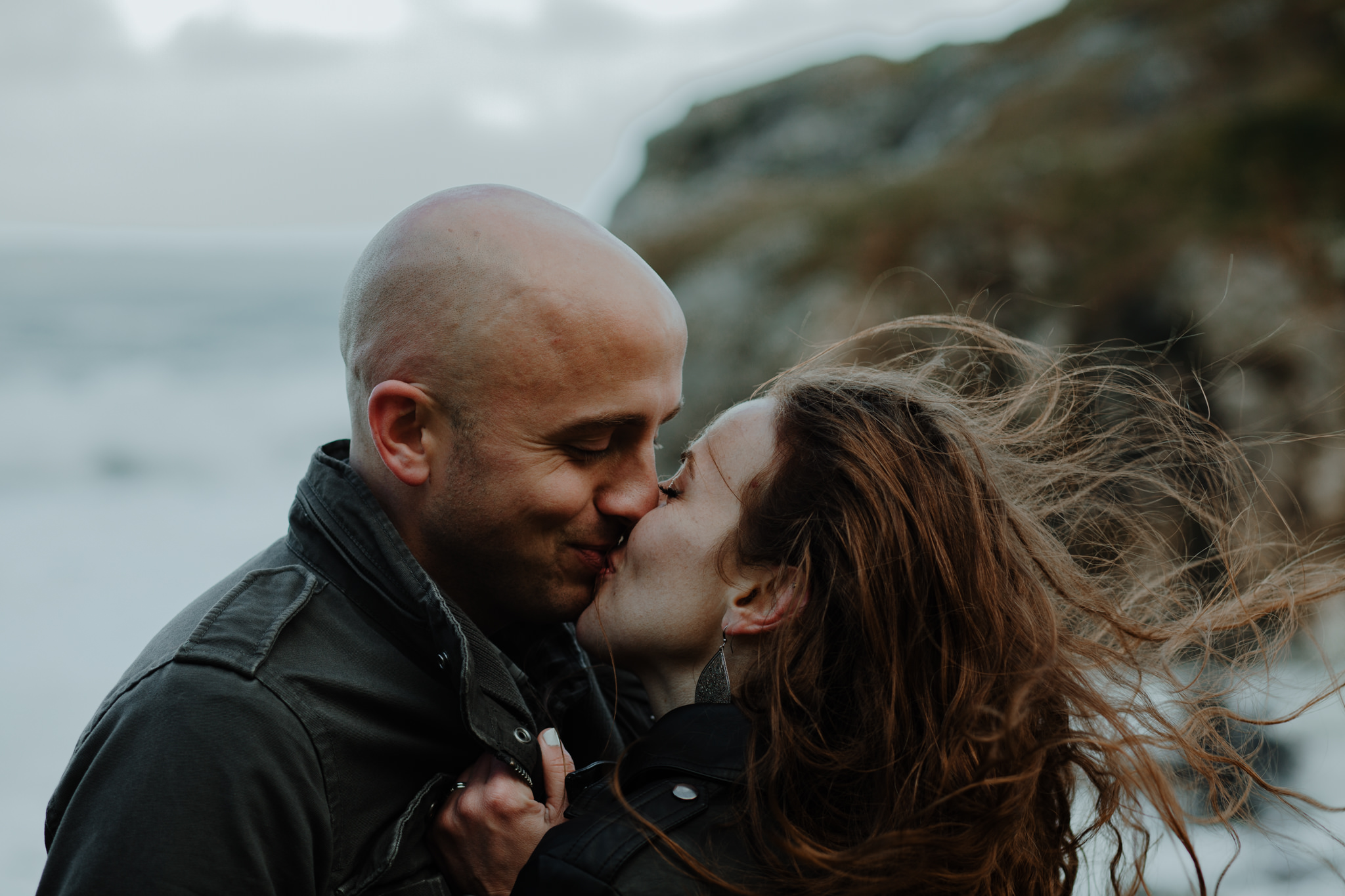couple kissing wanderlust adventure travel kinbane castle
