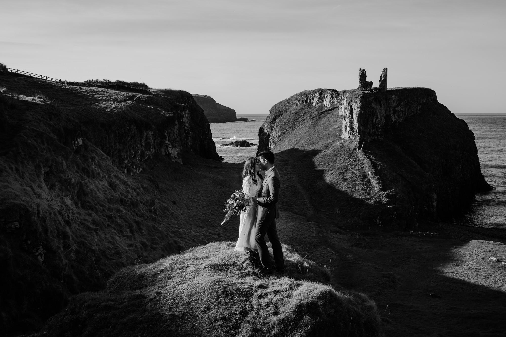 dunseverick-castle-adventure-engagment-photographers