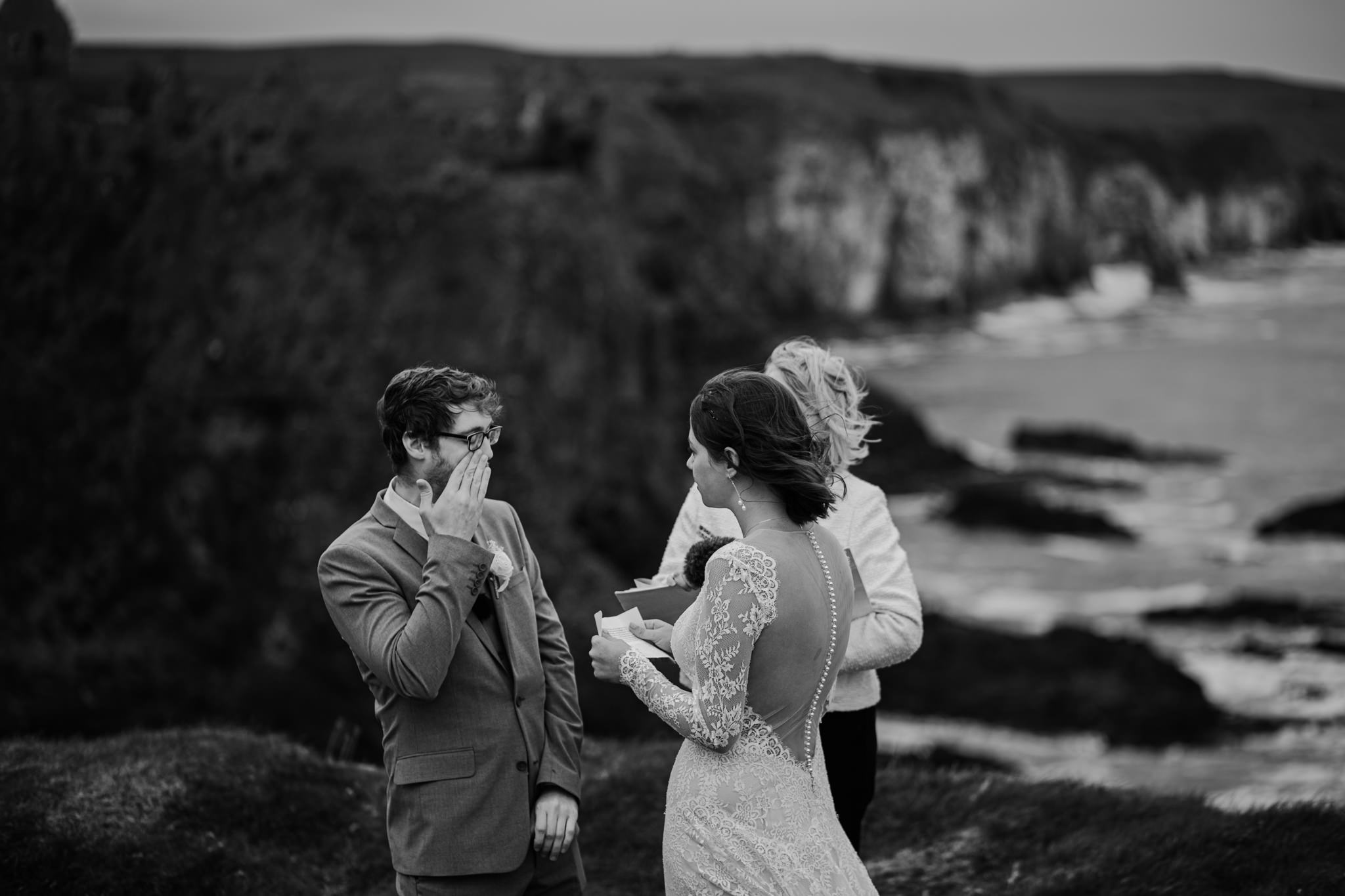 dunluce-castle-giants-causeway-adventure-elopement-M+S-151.jpg